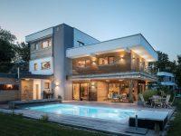bionic-haus-einfamilienhaus-oberoesterreich_poolansicht-750x500